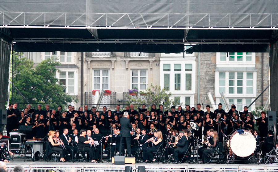 concierto-de-pelicula-musikalde-coral-lumturi-nurat-oskarbi-noticia